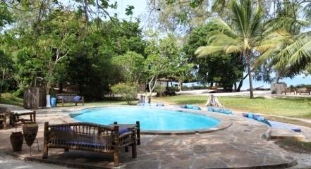 Kinondo Kwetu Small Pool